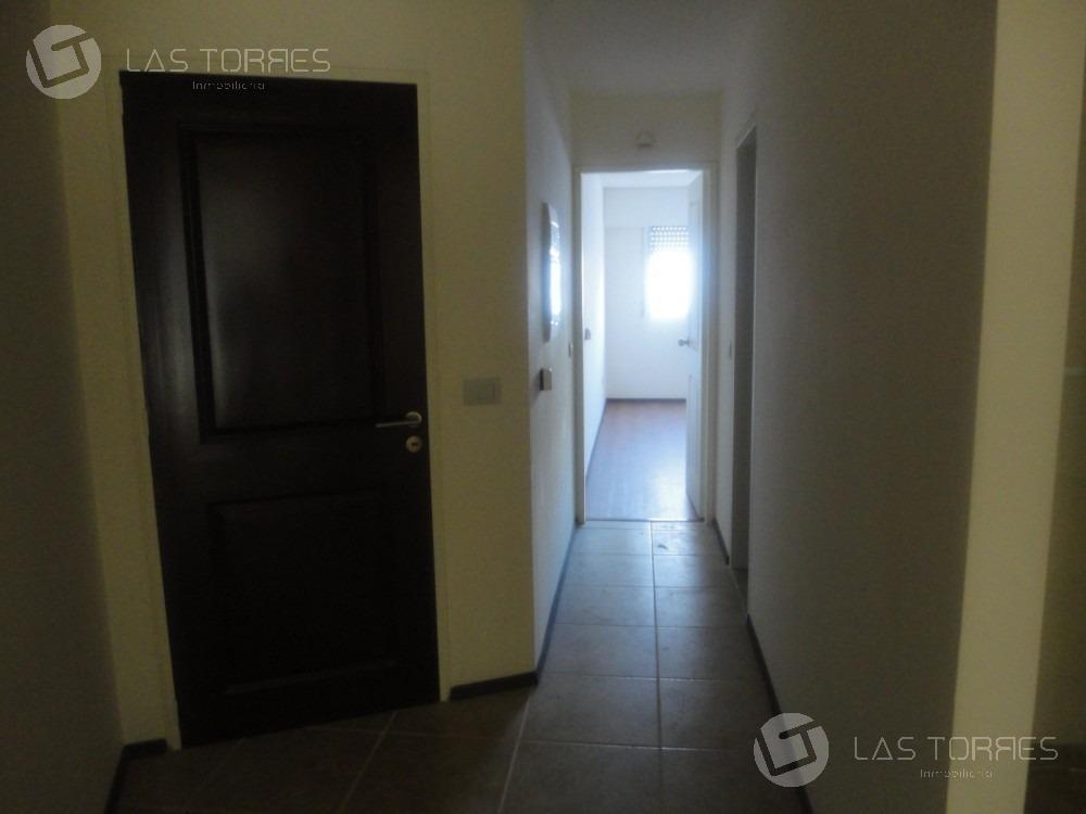 apartamento - pocitos - al frente, sin muebles, g.c 5.000, locomoción