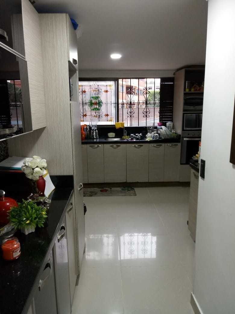 apartamento primer piso,  remodelado.