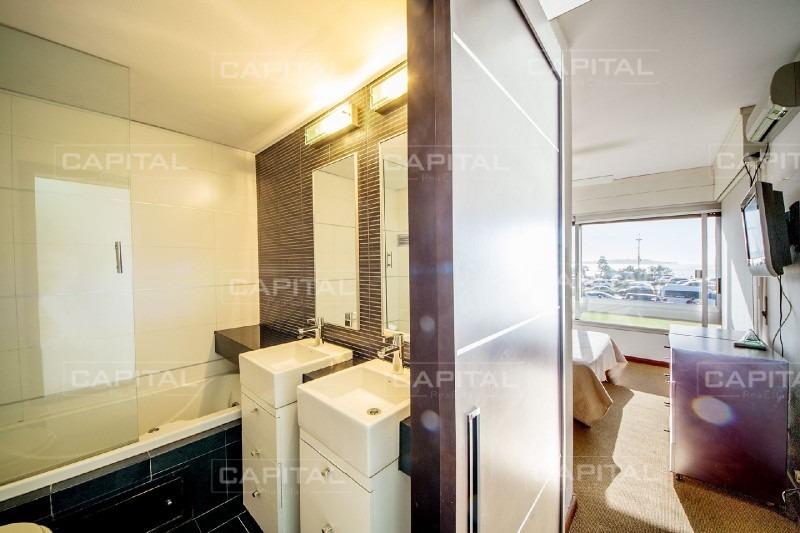 apartamento primera fila al mar playa mansa punta del este tres dormitorios-ref:26607