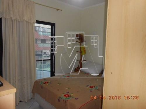 apartamento próximo ao mar , com dependências grandes , lazer e elevador no prédio , com vaga na garagem e aceita financiamento bancário