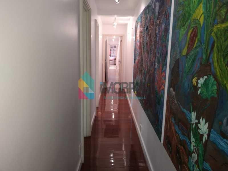 apartamento reformado,  no leblon em rua nobre silenciosa, 3 quartos, suíte, varanda,  2 vagas de garagem, dependência completa!!! - cpap31141