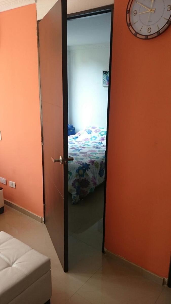 apartamento segundo piso conjunto portal de molinos