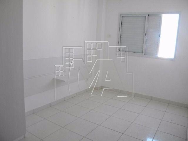 apartamento semi-mobiliado próximo à praia - 03 quartos