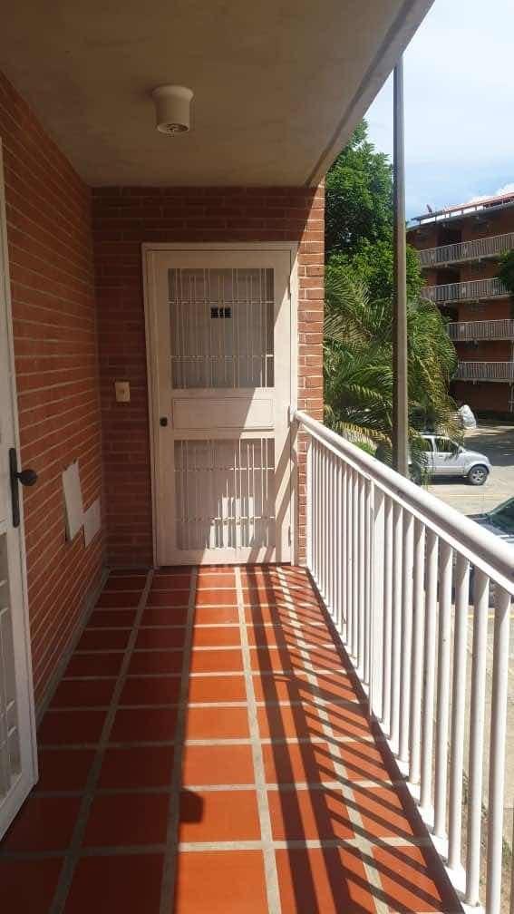 apartamento terrazas de san pedro ii ( guarenas , guatire )