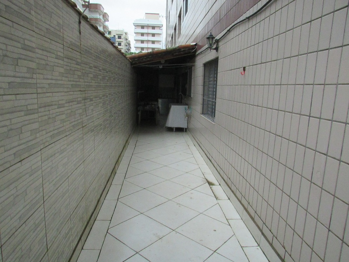apartamento térreo  quintal espaços e churrasqueira 2 dormit