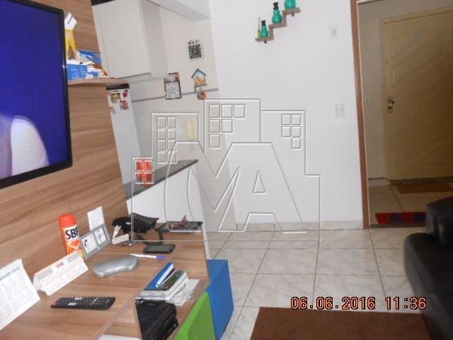 apartamento todo reformado , em prédio com lazer super completo , próximo a praia e comercio , aceita financiamento bancário