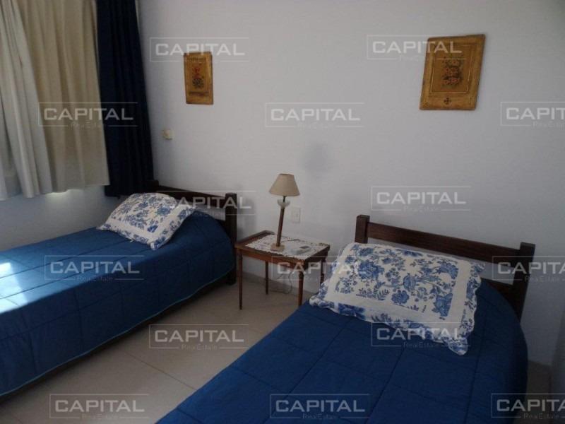 apartamento tres dormitorios en aqluiler playa brava-ref:27139