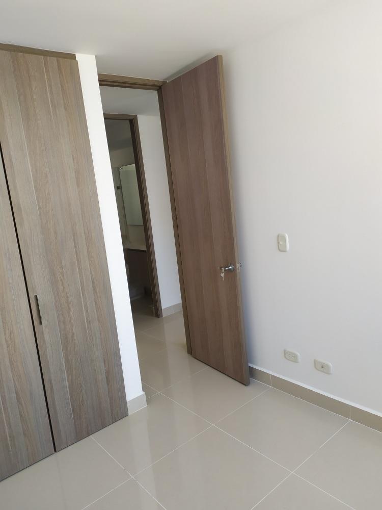 apartamento, unidad chelo, piso 5to 3 alcobas 3 baños,