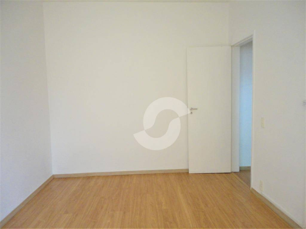 apartamento  à venda em icaraí, niterói, composto de 2 quartos com vaga marcada. - ap6732