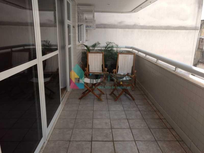 apartamento vista mar do leme ao posto 6 mar com vaga de garagem reformado!! - cpap30580