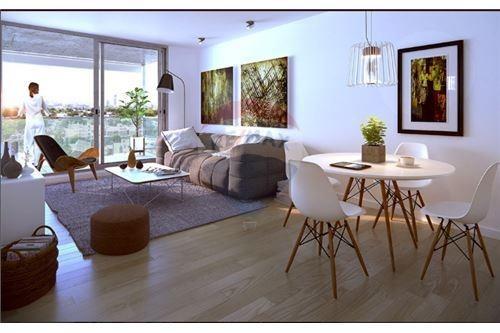 apartamento,2 dormitorios, baño nuevo
