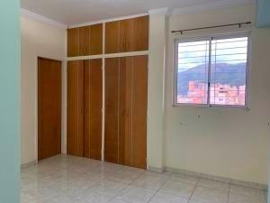 apartamentoen venta enla trigaleña valencia 20-4829 ddr