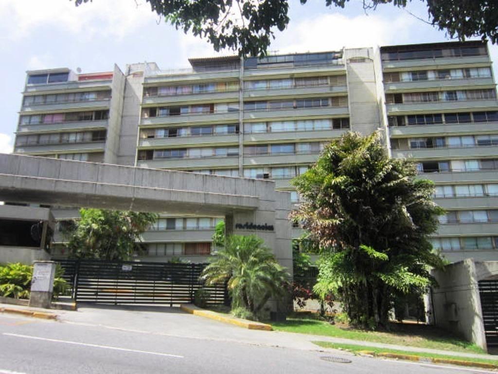 apartamentos en venta angelica guzman  mls #17-3991