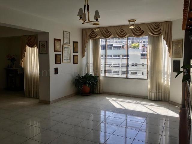 apartamentos en venta    bello  monte  20-8913   fn
