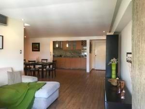 apartamentos en venta en el cigarral mls #20-7317