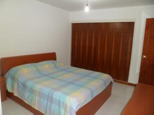 apartamentos en venta en tzas del club hipico mls #15-12039