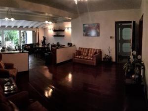 apartamentos en venta en tzas del club hipico mls #17-12660