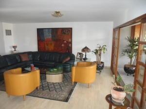 apartamentos en venta en tzas del club hipico mls #19-10822