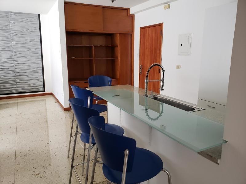 apartamentos en venta - los palos grandes - 19-14551