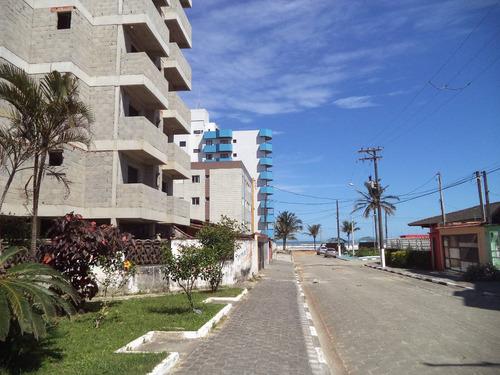 apartamentos novos á 40 metros da praia. ref. 908