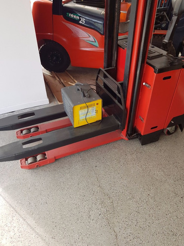 apilador eléctrico ding li  2014 maquinarias los tanos