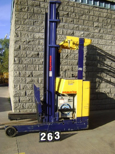 apiladora electrica komatsu cap de carga 2.0 tn elev 5 metro