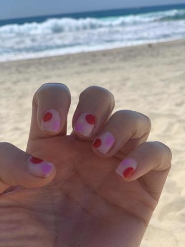 aplicación de pedicure y manicure 3x2