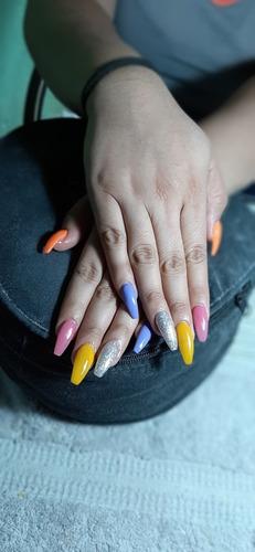 aplicación de uñas