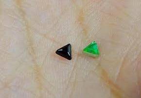 aplique joias para unhas triangulo 600 peças + brinde