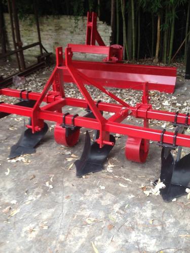 aporcador - surqueador de 3 timones para tractor de quinta