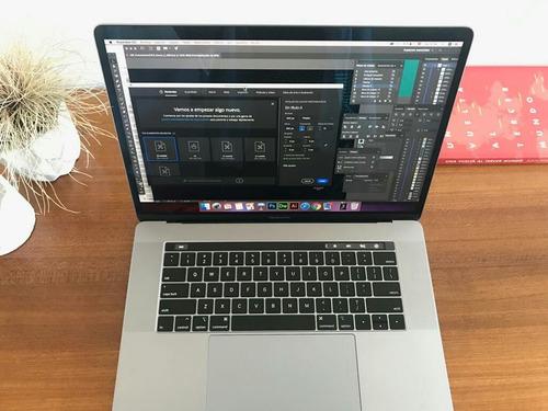 apple macbook pro 15 touch bar i7 16gb.256gb precio negociab