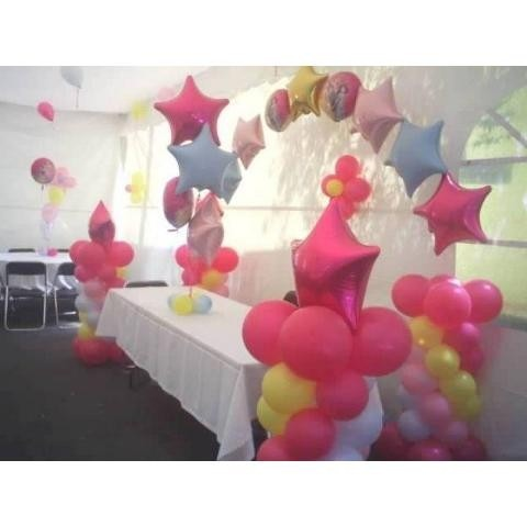 Aprende el arte de hacer arreglos y decoraciones con for Como hacer decoracion con globos