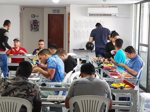 aprende reparación y mantenimiento de dispositivos móviles