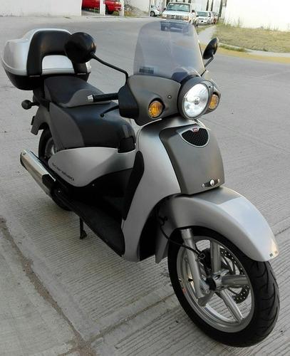 aprilia scarabeo moto scooter