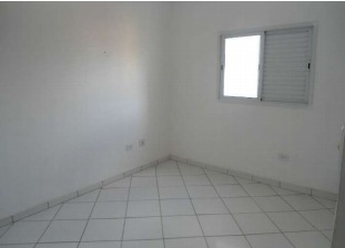 apto 02 dormitórios com sacada gourmet, frente mar (906)