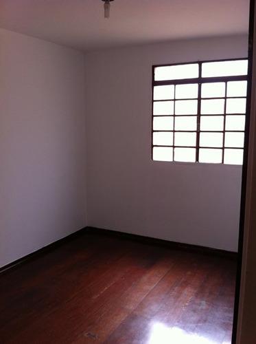 apto 02 qtos, 01 vaga de garagem, ótima localização. aluguel r$ 650,00 - 757
