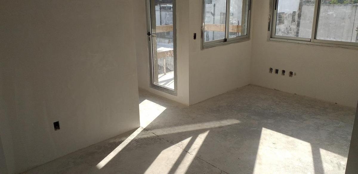 apto 1 dormitorio con amplio patio y parrillero