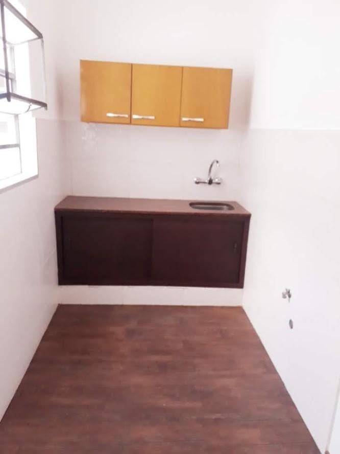 apto 1 dormitorio con opción a 2, al frente con balcon
