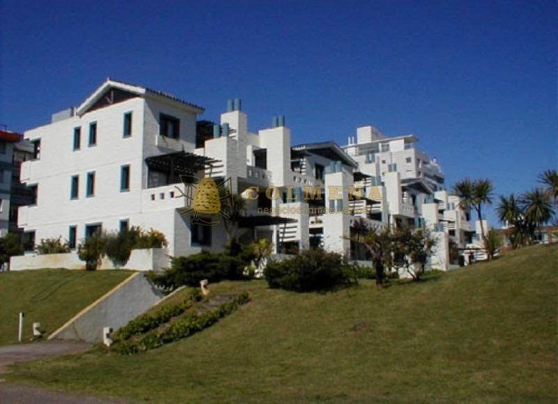 apto 2 dor, 2 baños, y terraza con parrillero y a metros del mar. consulte!!!!!!- ref: 1788