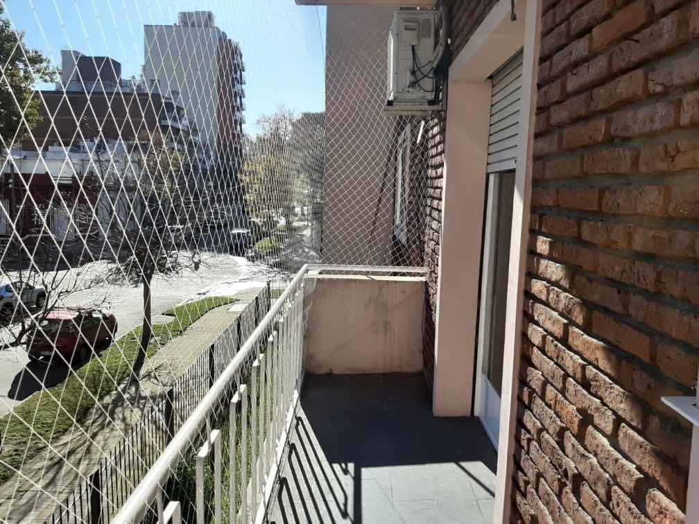 apto 2 dormitorios 1er piso por escalera