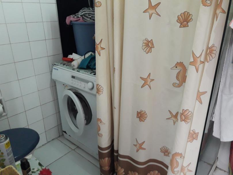 apto 2 dormitorios con  local comercial rentado sobre avenida.