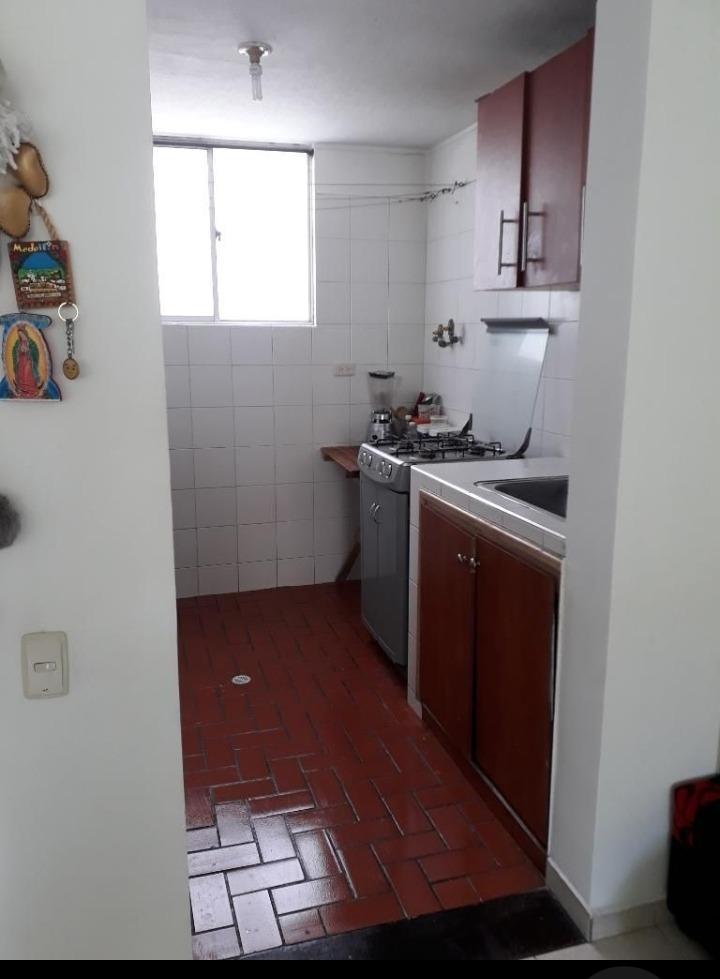 apto 3 habitaciones, 2 baños muy bien ubicado 3102833242