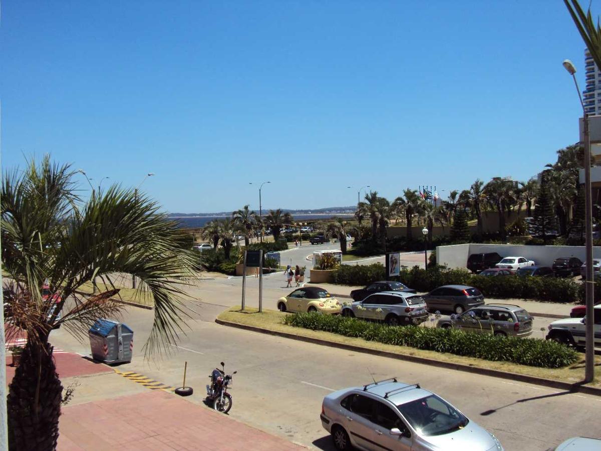 apto. 50 mts.playa (ovo beach) frente hotel enjoy ex conrad