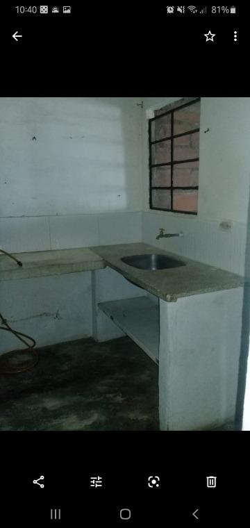 apto con alcoba cocina servicios y  solar para construir