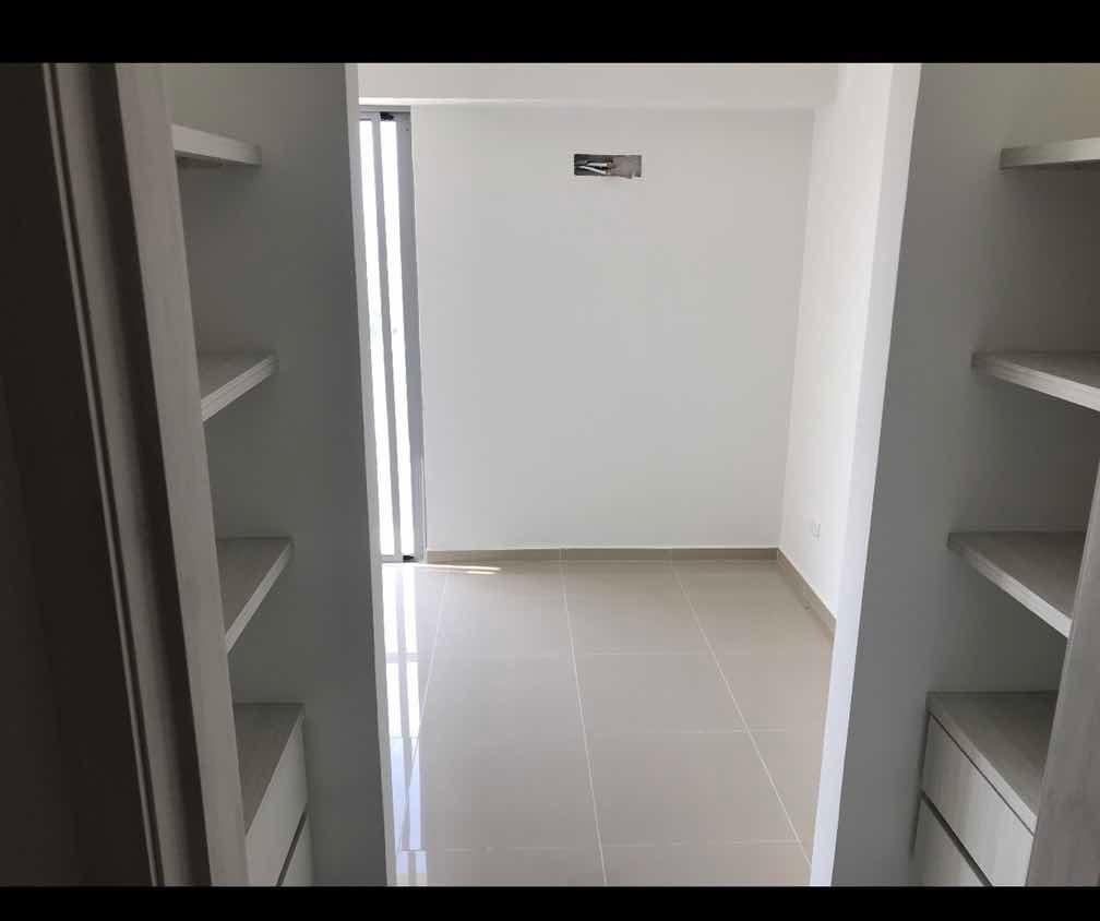 apto de 2 cuartos, 2 baños,  1 parqueadero, 1 depósito.