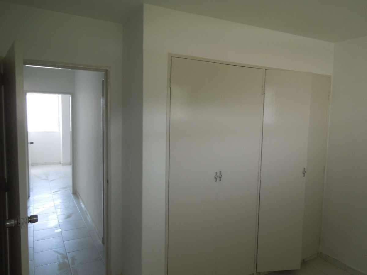 apto de 3 hab + 2 baños + 2 p. estacionar techado + maletero