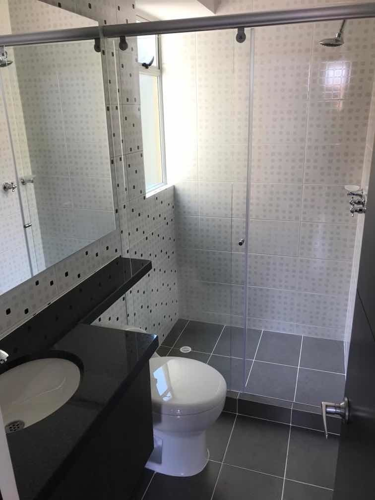 apto de 3 hab y 2 baños, 77m2