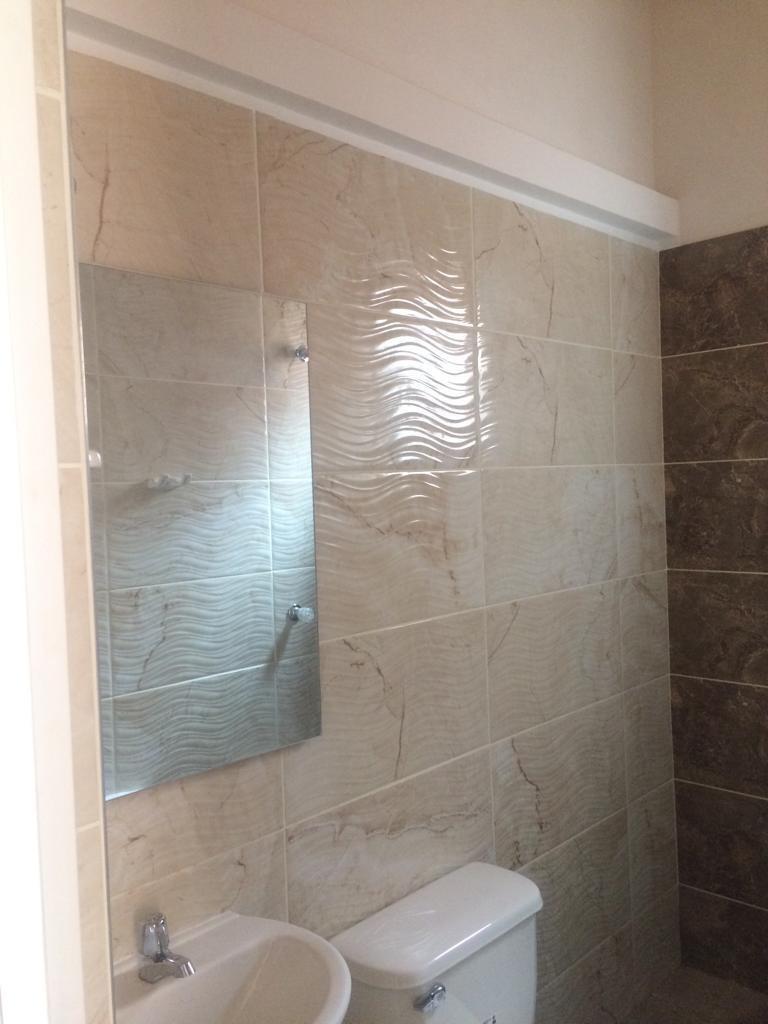 apto de 3 habitaciones con 1 baño con machimbre
