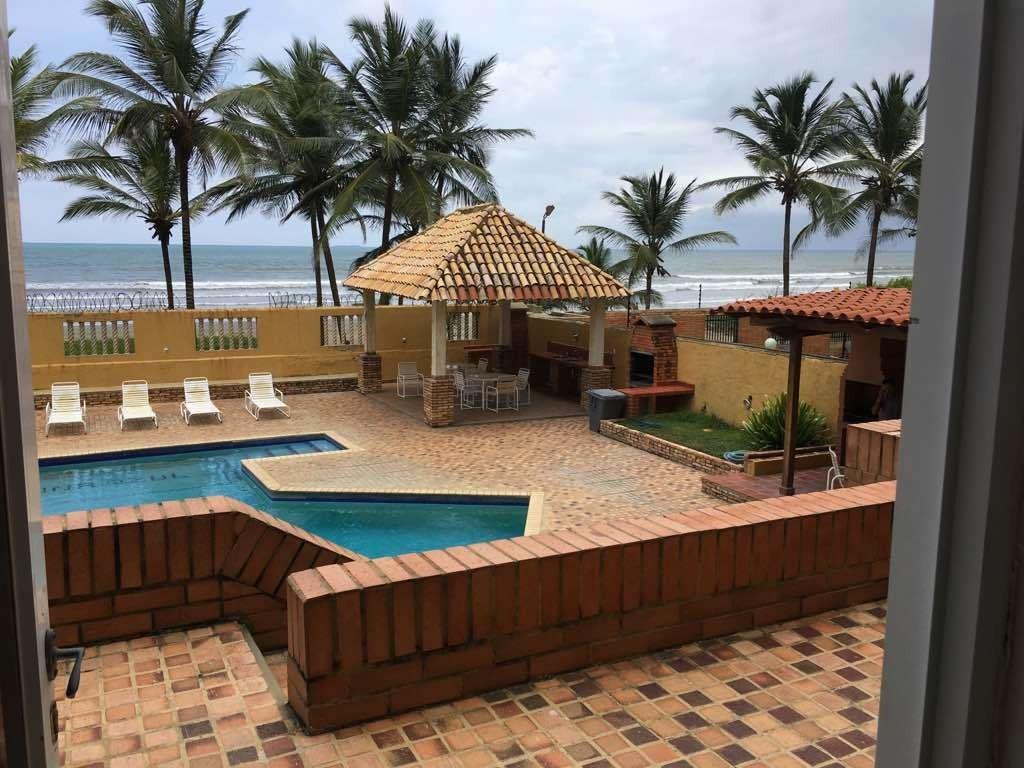 apto de playa en residencias laguna azul - tucacas