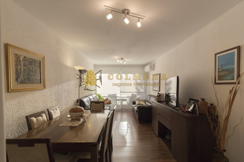 apto en aidy grill en excelente estado  2 dormitorios, 2 baños, 1 en suite, living-comedor, balcon, cocina , con terraza lavadero y cochera.consulte!!-ref:1605